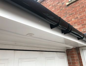 when to replace your guttering